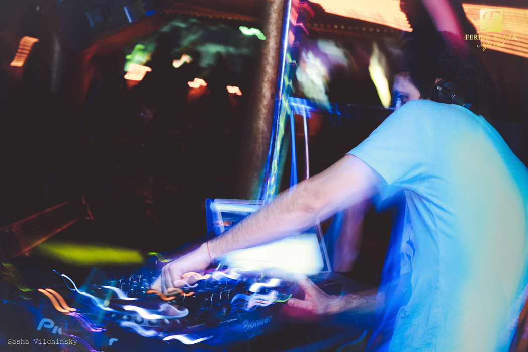Фотоотчет вечеринки с DJ NIKOLAI NICK в Feride Plaza