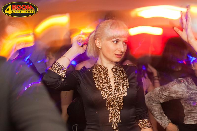 Фотоотчет вечеринки: Девочки с перчинкой в 4ROOM