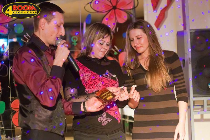 Фотоотчет празднования 8 марта в кафе-клубе