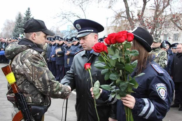 Вінницькі бійці, яких у зону АТО проводив голуб миру, повернулися додому із