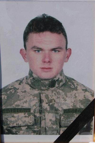 На Вінниччині поховали бійця АТО, який загинув під час виконання бойового завдання (Фото)