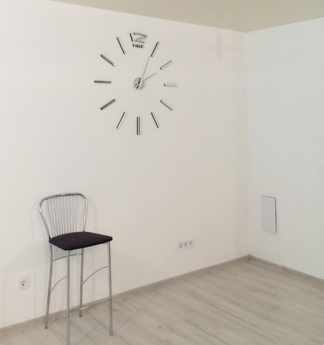 часы большие настенные фото
