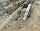 На Київському мосту розкопали та почали переносити газову трубу (Фото)
