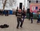Одесский танцующий дед взорвал YouTube