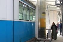 Вінницькі трамваї стануть чистішими (Фото)