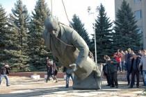 На Вінниччині демонтували ще одного Леніна (Фото)