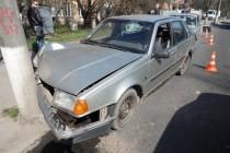ДТП: На Першотравневій Volvo врізався в електроопору