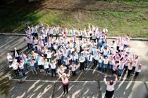 У школі №13 пройшов флешмоб до Всеукраїнської акції «Голуб миру