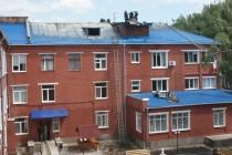 Як у Вінниці гасили пожежу в міській лікарні на Київській. Горів дах (Фото+Відео)