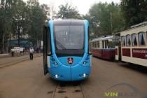 Журналістам показали новий трамвай, який побудували у Вінниці (Фото+Відео)