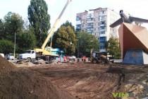 На проспекті Космонавтів почали реконструкцію площі біля літака (Фото)