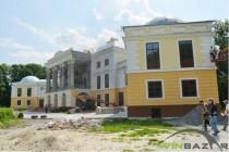 Палац Грохольських у Вороновиці після реконструкції не впізнати. Ремонтували за гроші ЄС (Фото+Відео)