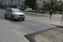 """У Вінниці з'явився """"піднятий"""" перехід (Фото+Відео)"""