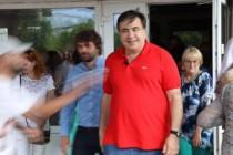 На Вінниччині Саакашвілі облили зеленкою (Фото+Відео)