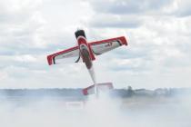 У Вінниці кращі авіамоделі танцювали у небі та змагались у авіабоях (Відео)