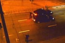 """""""Кидай ніж і йди сюди"""": у Вінниці троє молодиків серед ночі намагалися впіймати хлопця (Відео)"""