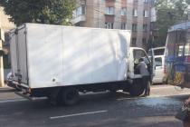 У Вінниці нетверезий водій вантажівки скоїв ДТП з тролейбусом