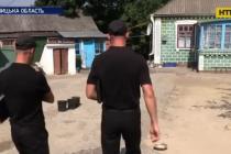 На Вінниччині пенсіонери, яких обдурили шахраї, розповіли, як діяли злочинці (Відео)
