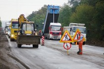 Біля Вінниці ремонтують Барське шосе. Стелять новий асфальт за 46 мільйонів (Фото+Відео)