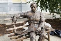У Вінниці встановили пам'ятник Петлюрі (Фото)