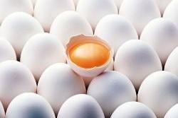 Диетологи: яичница бодрит лучше, чем чашка кофе