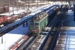 На Вінниччині хлопець, який виліз на потяг, отримав тисячний розряд струмом (Відео)