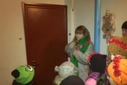 У Вінниці жителі горезвісного гуртожитку прийшли щедрувати до міністра соцполітики (Відео)