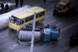 У Вінниці сталась ДТП за участі асенізаторської вантажівки (Фото+Відео)