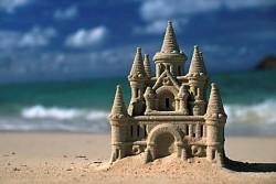 На пляжах Испании запретили строить замки из песка