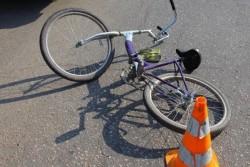 ДТП у Вінниці: велосипедист потрапив до лікарні через припарковане авто