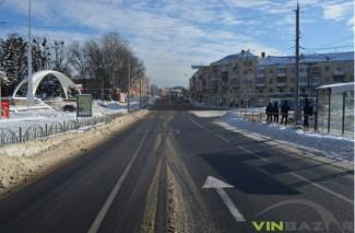 """Вінницю почистили від снігу до """"чорного асфальту"""" (Фото+Відео)"""