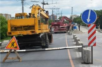 Третій місяць ремонтують Київський міст. Як переправа виглядає сьогодні (Фото+Відео)
