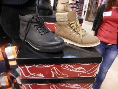 У торговому центрі Вінниці затримали крадія зимового взуття