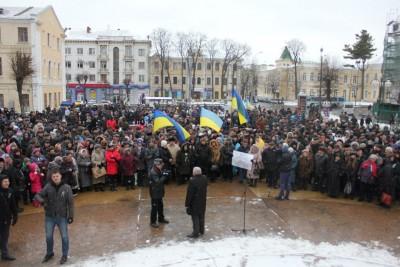 Близько двох тисяч вінничан вчора вийшли на Євромайдан