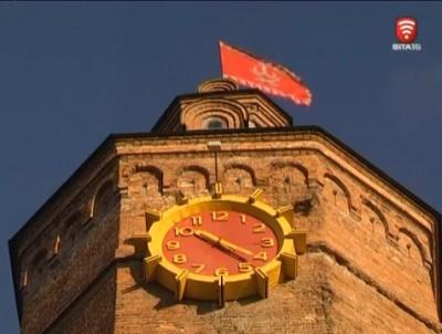 Один годинник на Вінницькій вежі зупинився (Відео)