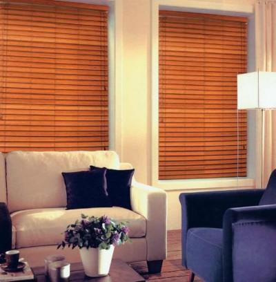 Что выбрать на окно рулонные шторы, занавески или жалюзи?