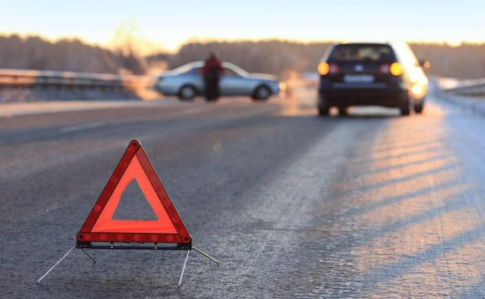 На Вінниччині автомобіль з сім`єю потрапив у кювет. Постраждало немовля