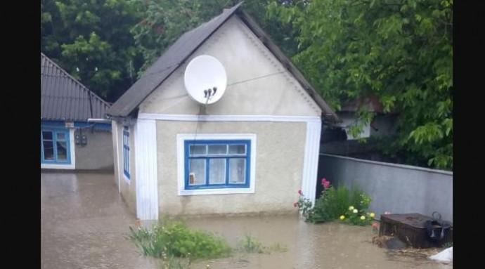 На Вінниччині злива затопила приватні будинки (Фото)