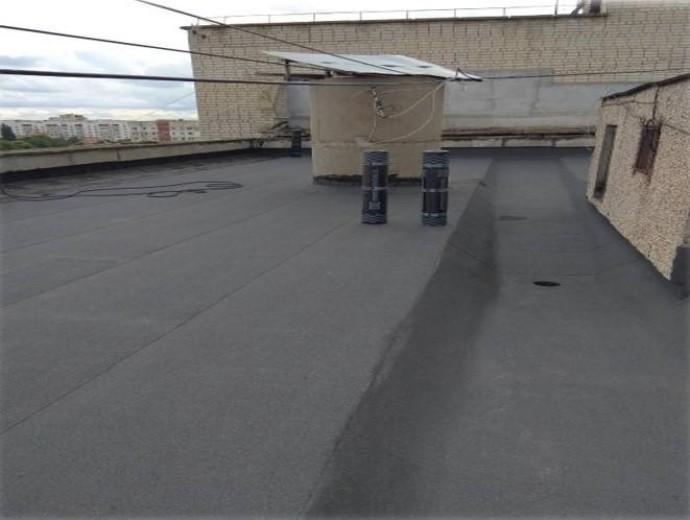 У Вінниці ремонтують дахи багатоповерхівок (Фото)