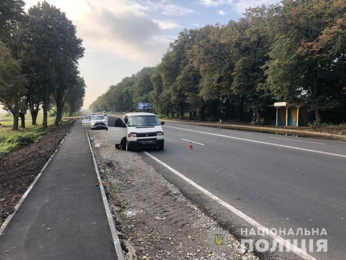 На Вінниччині пішохід ледь не загинув під колесами авто