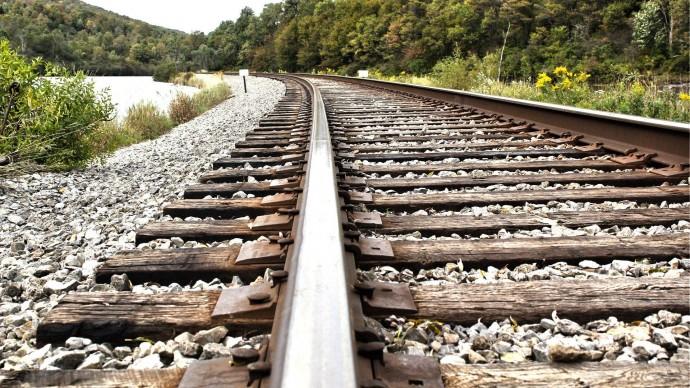 На Вінниччині під колесами пасажирського потягу загинув 21-річний чоловік
