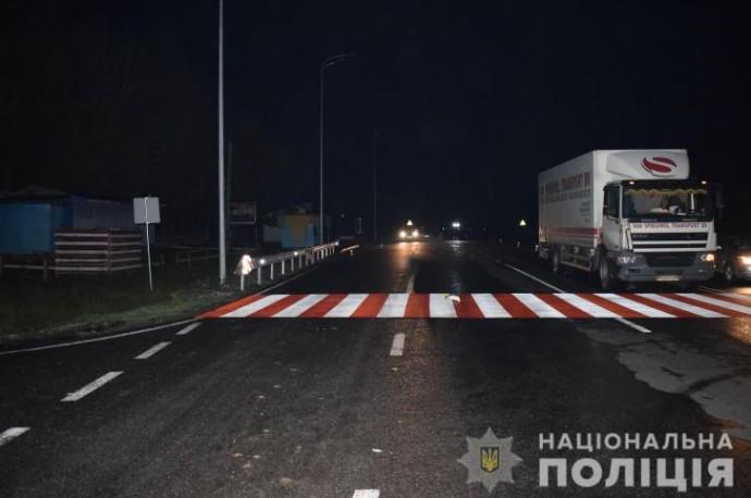 У Літинському районі вантажівка смертельно травмувала пішохода (Фото)