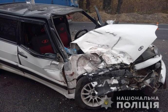На Вінниччині «ВАЗ» протаранив рейсовий автобус (Фото)