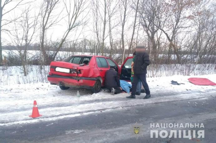 Неподалік Уланова «Renault» не розминуся з «Volkswagen». Загинув 11-річний хлопчик (Фото)