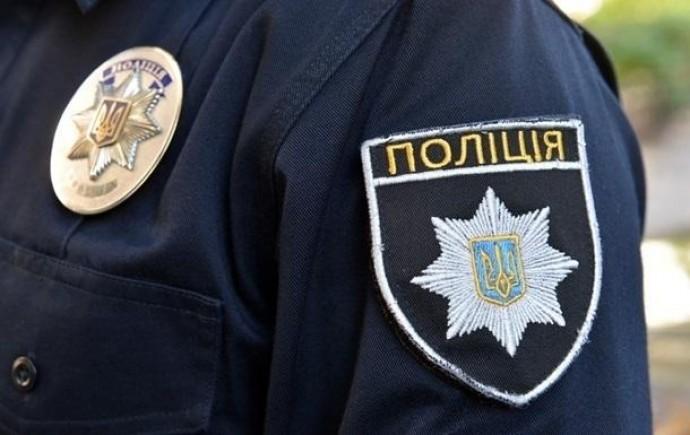 На Вінниччині двоє злочинців оглушили перехожу ударом та пограбували