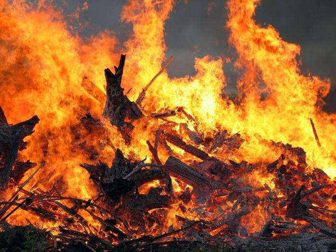 На Вінниччині вогонь знищив приватний будинок