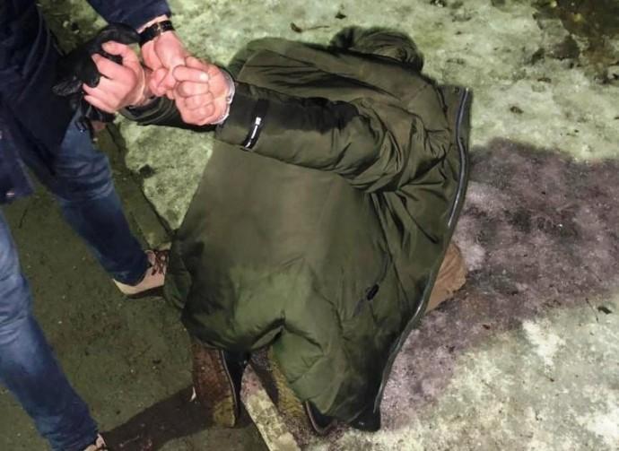 У Вінниці затримали зловмисника, який пограбував перехожого