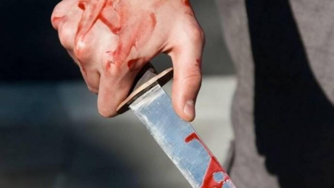 Кривава різанина: на Вінниччині чоловік штрикнув ножем товариша по чарці