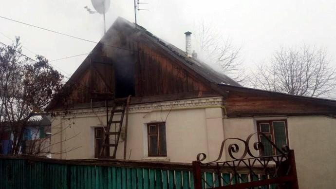 У Теплику через коротке замикання спалахнув будинок