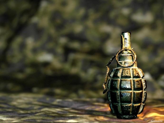 У Вінниці хлопець розгулював містом з гранатою в кишені